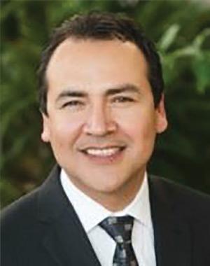 Dr. Alexander Ramírez