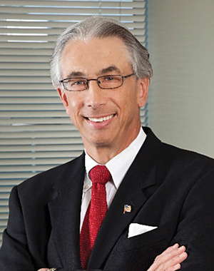 Dr. Víctor L. Roberts