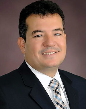 Dr. Darío Cardona