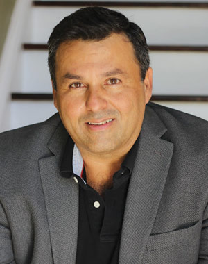 Julián Echeverry, LMFT
